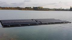 Picture of a floating photovoltaic system.