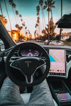 Tesla_steering _ Photo by Roberto Nicks